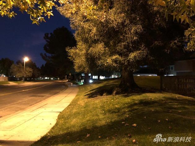 iPhone 8 Plus在夜间的拍照表现