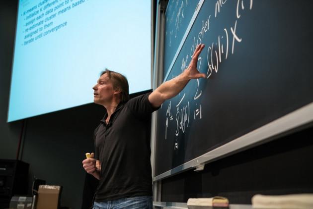 MIT这样的顶尖名校是怎么上机器学习课的?