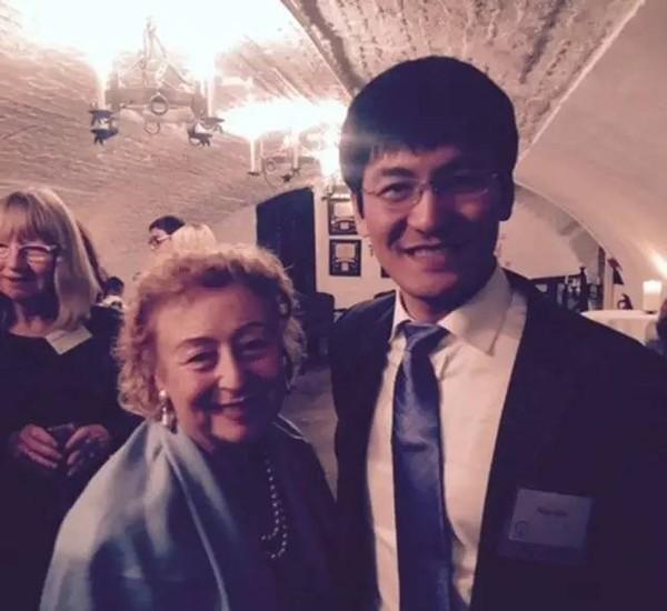 清华大学教授邹昊:传统行业要与科技公司竞争,核心高管应设首席数据官