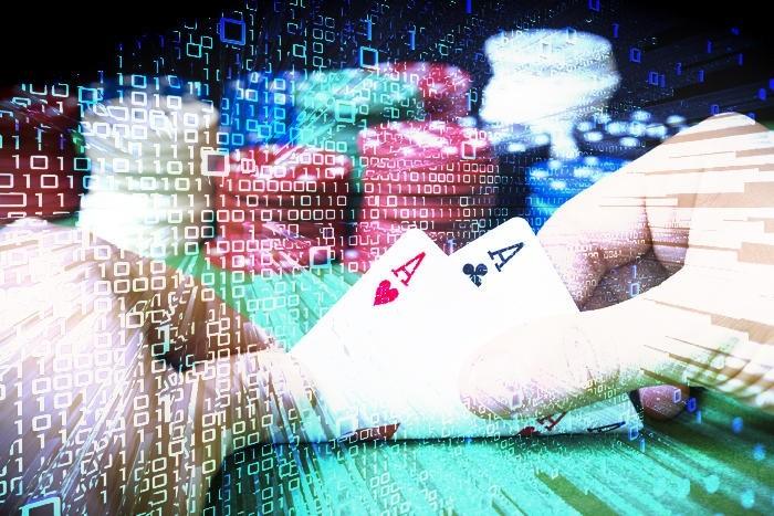 Facebook田渊栋:德州扑克上战胜人类的AI究竟用的是什么算法?| 解析