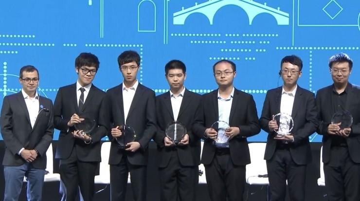 乌镇AlphaGo赛后:柯洁哽咽,责怪自己没能下的更好一点