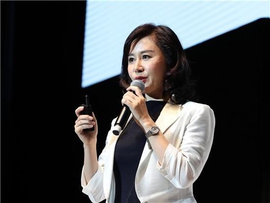 小米MIUI广告销售副总裁金玲:人工智能时代,广告如何变得不再令人反感?| GMIC 2017