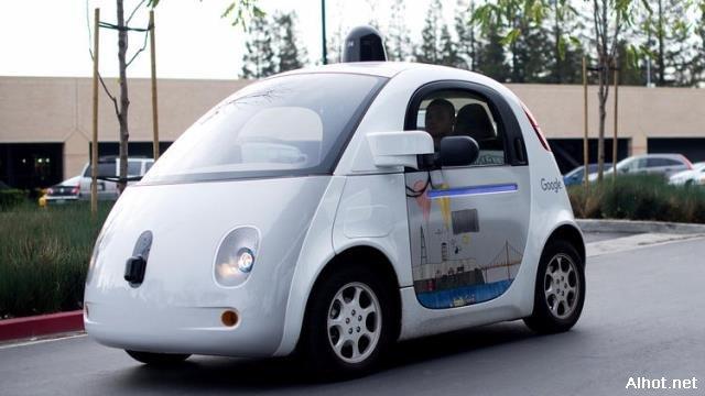 什么时候无人驾驶汽车在美国高速公路上变得普遍?